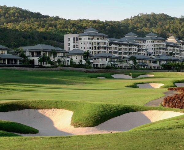 In to the black -5 - Black Mountain Golf Course