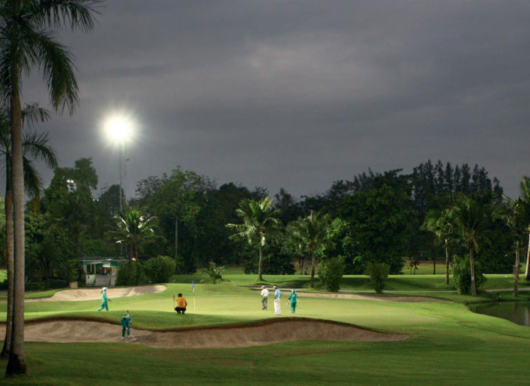 Urban-Golf-Magic-8